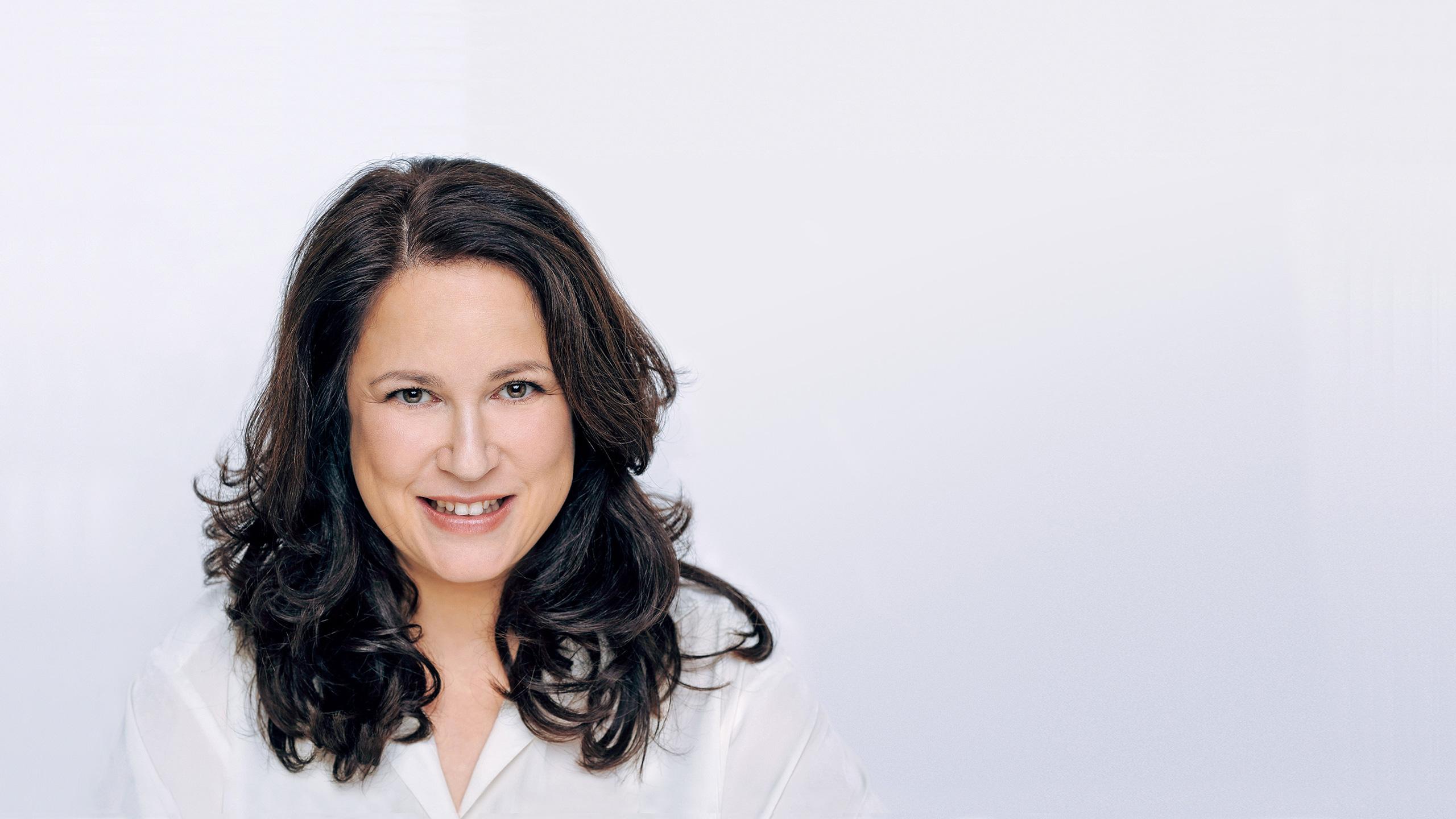 """Startseite Slide """"Sprecherin"""" – Eva Weissmann"""